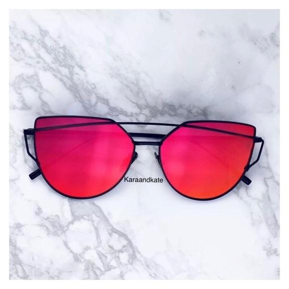 68024859e5 Red On Black Mirrored Sunglasses